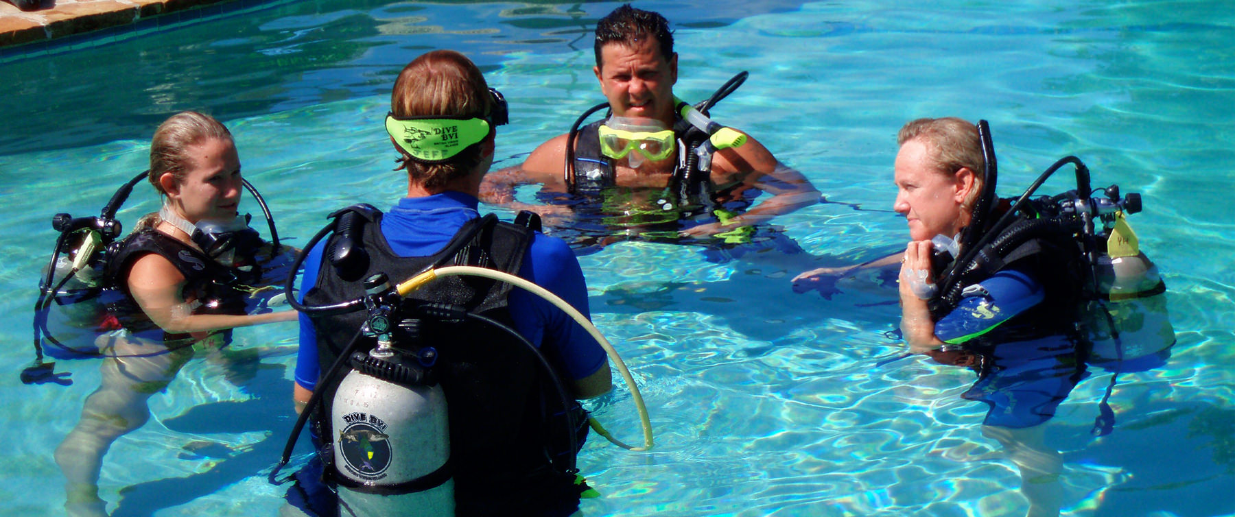 Scuba training class in pool